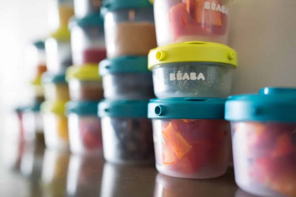 Beaba clip containers with food in it