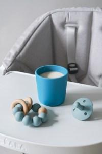 Beaba Non-slip silicone cup with milk