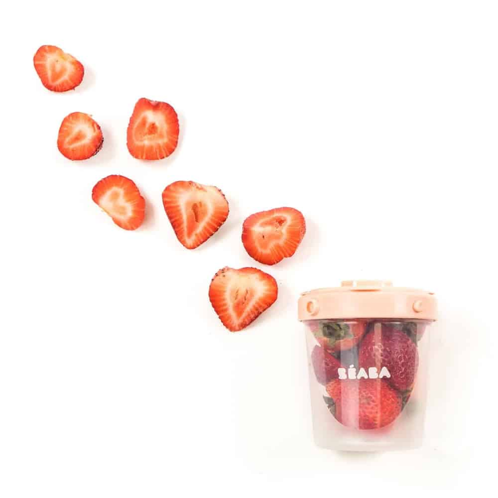 Beaba Clip Container with strawberries