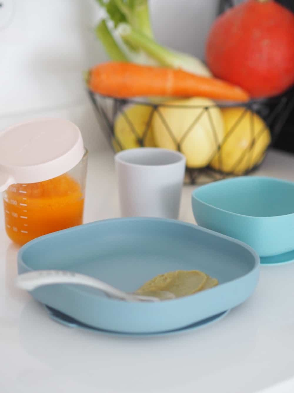 Beaba Silicone Suction meal set in rain with puree