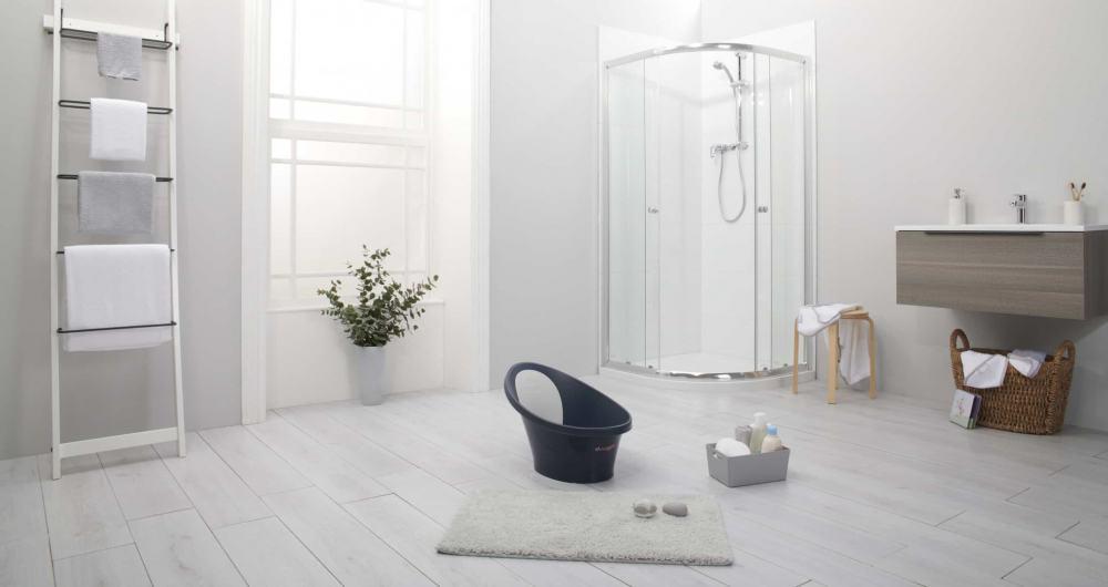 Beaba by Shnuggle Baby bath in Midnight in Bathroom