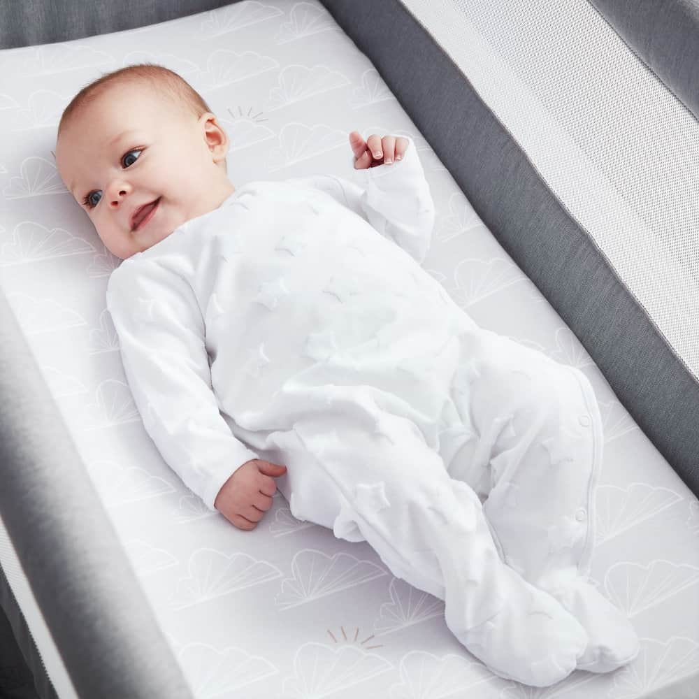 Beaba by Shnuggle Bedside Sleeper Infant Crib Bedding Set