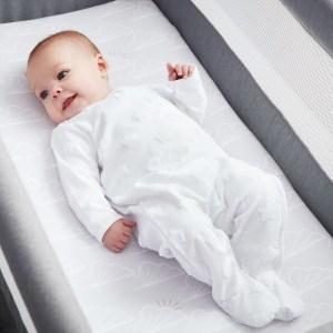 Beaba by Shnuggle Bedside Sleeper Infant Crib Bedding Set