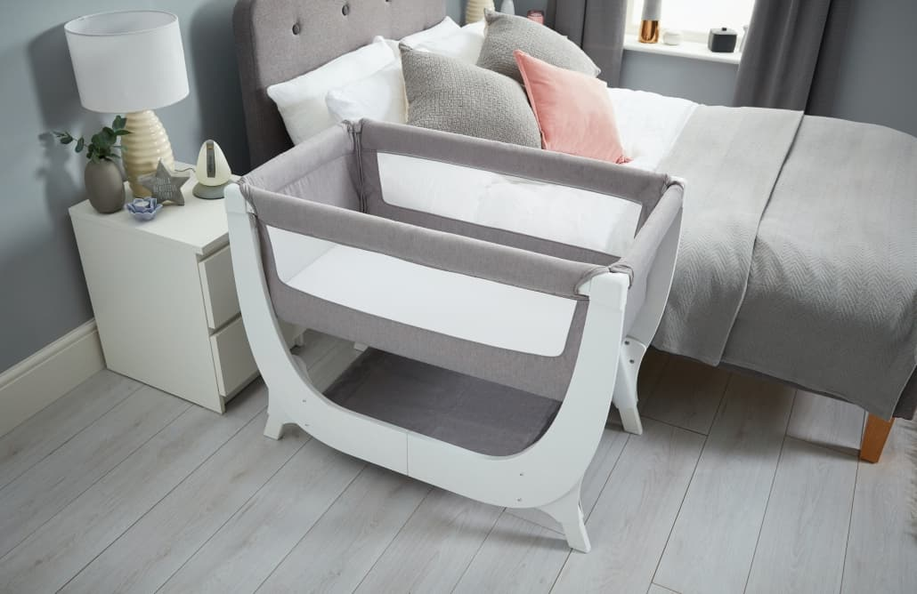 Beaba By Shnuggle Air Bedside Sleeper Infant Crib Next To Adult Bed