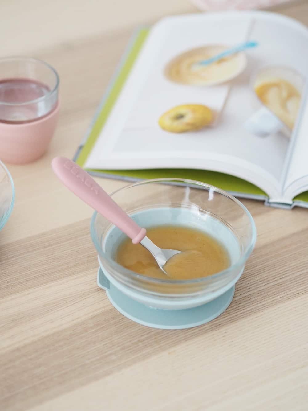Beaba Glass Suction Meal Set with puree inside