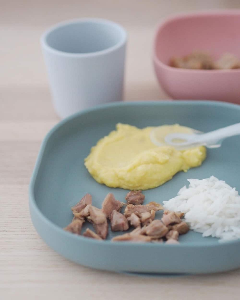 Beaba Silicone Meal Set in Eucalyptus with eggs